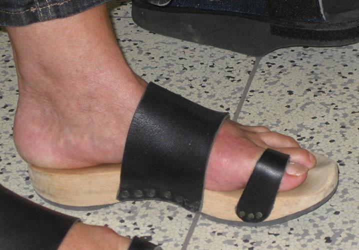 Fuß in Standale mit steifer Sohle